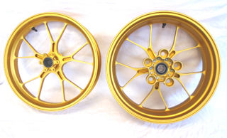 Aprilia-Accessory-Forged-Aluminum-Wheels-Gold-2