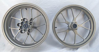 Aprilia-Accessory-Forged-Aluminum-Wheels-Ti